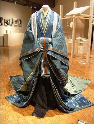 upload-denim-x-japanese-by-rina-karibe-12hitoe-recycled-denim-gowns